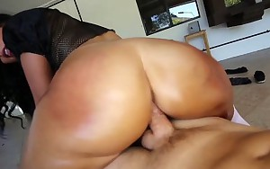 TeenCurves - Ava Alvares Has Big Ass Curves