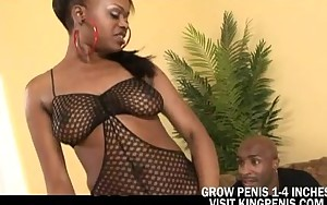 Nyeema Knoxxx Loves A Big Penis On Her Face