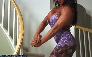 Amber Deluca 02 - Female Bodybuilder