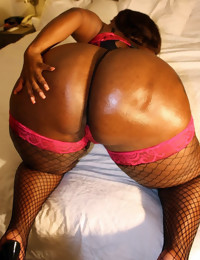 Supposing u love big round asses, gorgeous black babes,..