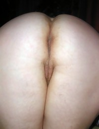 Very big and very phat butts aged females. Big bare arse..