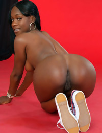 Here u will discover hot hawt rumps dark girls, dark..