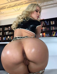 Nude big juicy booties, colombiangirlssex