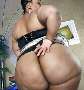 Tight and ebony african massive bums