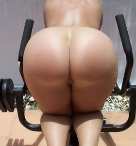Big culo whores are fooling around, posing and teasing with their massive tight asses