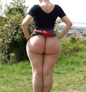 Featuring curvy figured ladies and great juicy bums