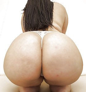Featuring curvy figured ladies and great wet booties